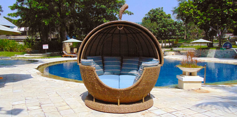 Bude Apple Outdoor Rattan Garden Day Bed