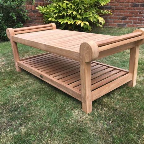 Lutyens Teak Coffee Table 136cm - Three quarter view