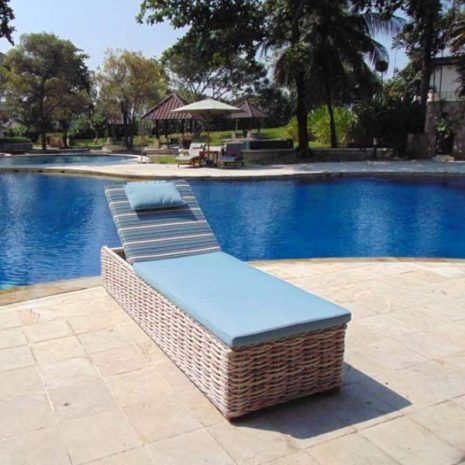 Poole Outdoor Rattan Sun Lounger - Front view