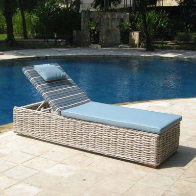 Poole Rattan Sun Lounger With Cushion 2